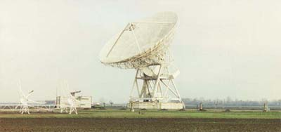 The 32 m parabolic antenna